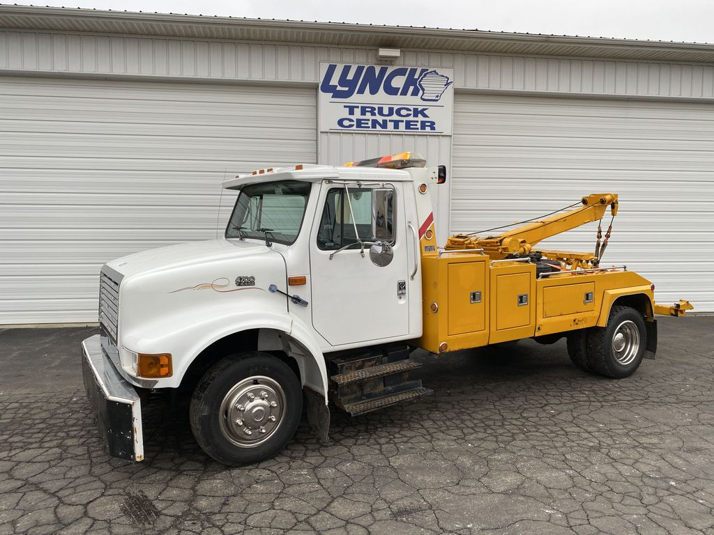 Pre-Owned 1999 International 4700 BASE