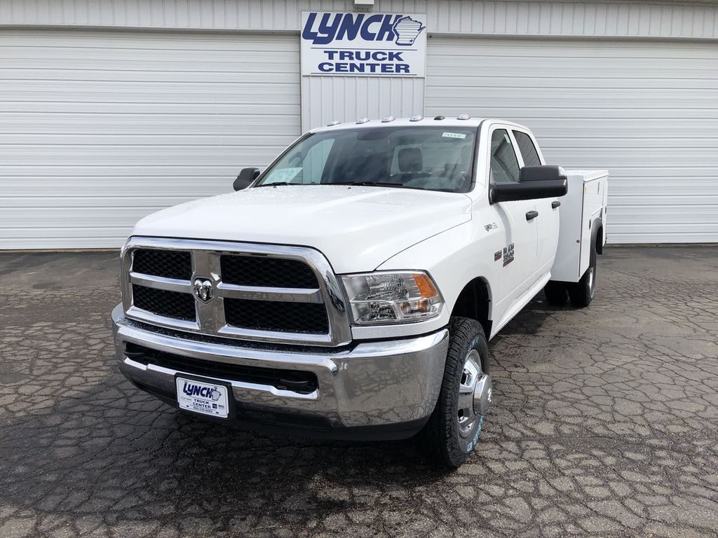 Pre-Owned 2018 RAM 3500 Chassis Cab TRADESMAN