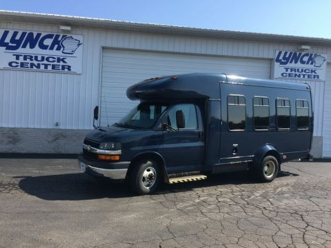 Pre-Owned 2005 Chevrolet Express BASE