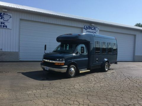 Pre-Owned 2006 Chevrolet Express BASE