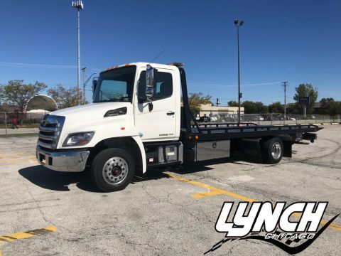 Pre-Owned 2015 HINO-OLD 258 258ALP